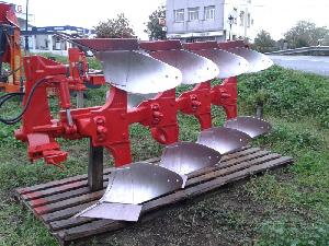 Offers Mouldboard Ploughs Ovlac  used