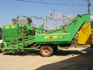 Buy Online Potatoes Harversters A.V.R. mc 120  second hand