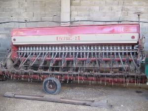 Offers Mecanic precision seeder Hernando  used