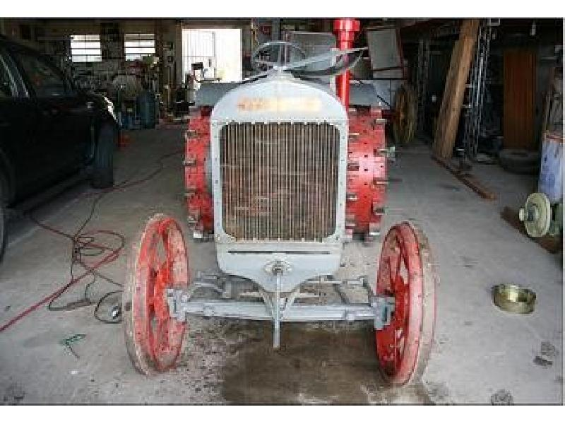 Oldtimer Traktoren DERING