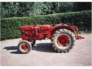 Comprar online Tractores Antiguos McCormick super fcc utility de segunda mano