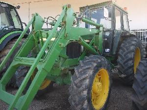 Venta de Tractores agrícolas John Deere 3140 dt pala usados