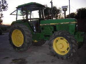 Comprar online Tractores agrícolas John Deere 3340dt de segunda mano