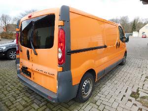 Arbeitsplatz LKW Opel VIVARO 2,5 CDTI  KASTENWAGEN