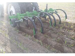 Verkauf von Cultivadore Magrican aricador, estancador, cultivador para hacer hoyas o pozas (para remolacha, maíz, girasol) gebrauchten Landmaschinen