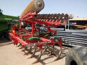 Verkauf von Meißel Pflüge (Grubber) Ovlac con grada gebrauchten Landmaschinen