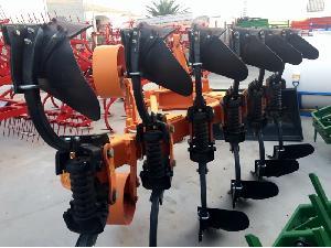 Angebote Pflüge von Bestechung Noli arado reversible gebraucht