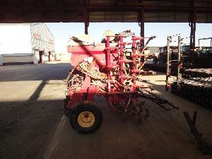 Offres Semoirs pour semis pneumatiques Lamusa a5000/40 d'occasion