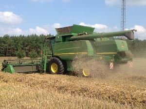 Acheter en ligne Récolte de céréales John Deere t 660i  d'occasion