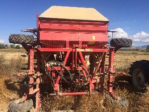 Venda de Semeadores pneumáticos KVNERLAND sembradora neumatica reja 5 metros usados