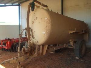 Venda de Tanques de lamas Desconhecida 8000 usados